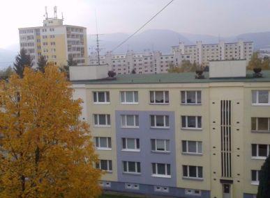 MAXFIN REAL - hľadáme súrne pre klienta 1 izbový byt v Banskej Bystrici.