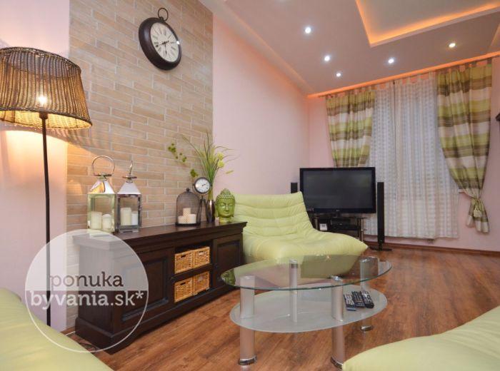 PREDANÉ - ČIERNA VODA, 2-i byt, 65 m2 – štýlový byt s TERASOU, v tehlovej NOVOSTAVBE, PARKOVACIE státie pri dome, kúpou voľný