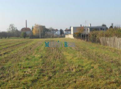MAXFIN REAL - predaj pozemku v Šali - Veči.