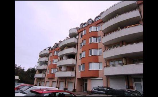 Veľkometrážny, slnečný, 3 izbový byt, 2x balkón + šatník na Tranovského ulici
