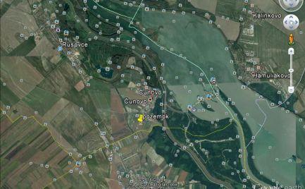 VÝHODNÁ INVESTÍCIA!!! Predáme rekreačný pozemok v Čunove