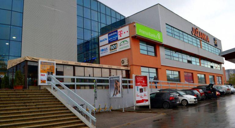 Zdravotné stredisko OC Južanka- Prenájom priestorov o výmere 68m2.