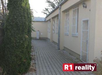 Garsónka 22 m2, dvor, Piešťany