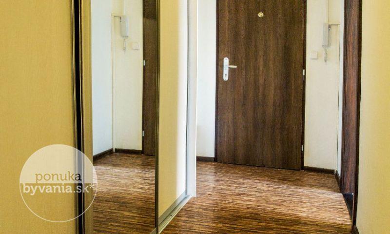 ponukabyvania.sk_Riazanská_3-izbový-byt_KOVÁČ