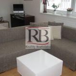 Ponúkame na prenájom slnečný 1 izbový byt na ulici Malokarpatské námestie, Lamač, Bratislava.