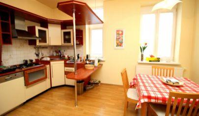 # 2 izbový #pozitívny  # moderný # lokálne kúrenie # skvelá dispozícia # nepriechodné izby # samostatná kuchyňa