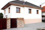 VÝHODNÁ CENA - Krásny a úplne zrekonštruovaný 5 izbový rodinný dom v obci Vrakúň, 6 km od Dunajskej Stredy