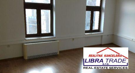 Ponúkame na prenájom 8 kancelárskych priestorov rozlohou od 12,7 m2  do 94 m2