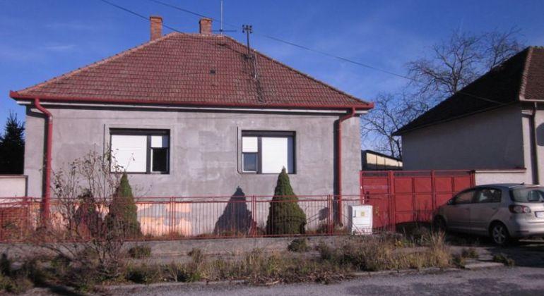 Na predaj rodinný dom v Gbeloch.