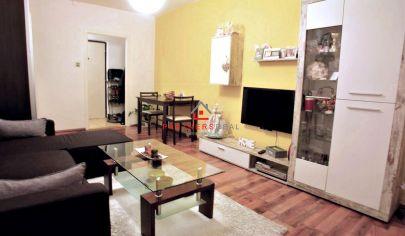 Exkluzívne na predaj - Výborne riešený 2-izb. byt 42m2 + loggia 6m2 na Kurskej ulici, sídlisko Dargovských hrdinov