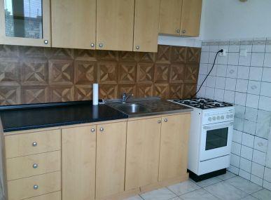 MAXFIN REAL na predaj 2 izb.byt v centre mesta na Párovciach.