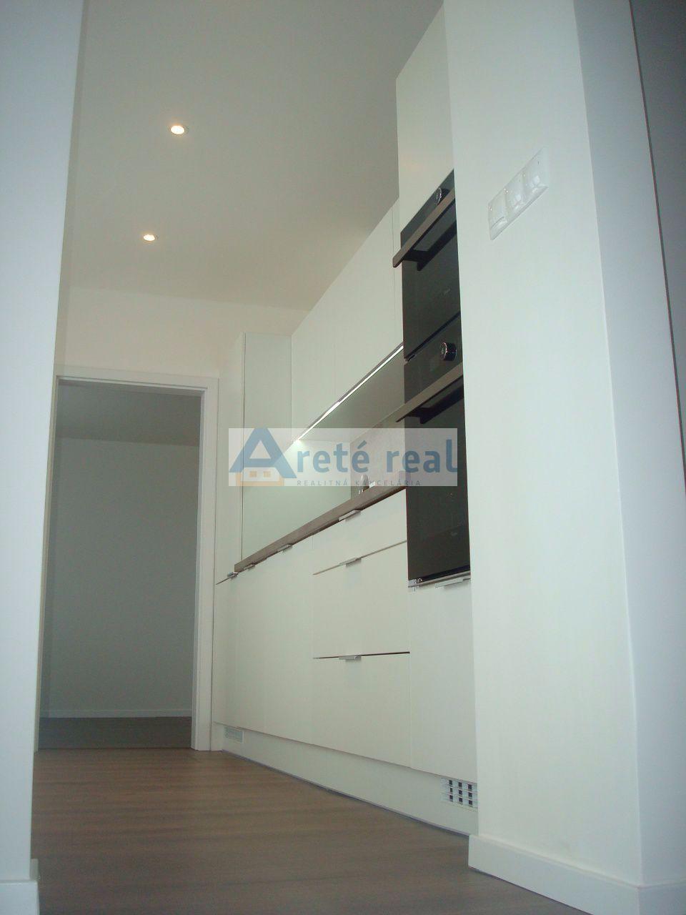 Areté real, Prenájom 3-izbového bytu po kompletnej rekonštrukcii v centre mesta Senec