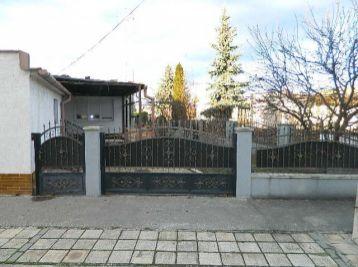 EXKLUZÍVNE!Predáme 4-izb.rodinný dom s garážou v Seredi