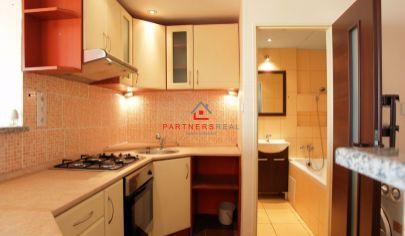 Praktický a slnečný 1,5-izb. byt, 42m2 + loggia 6m2 s pekným výhľadom na Dvorkinovej ulici