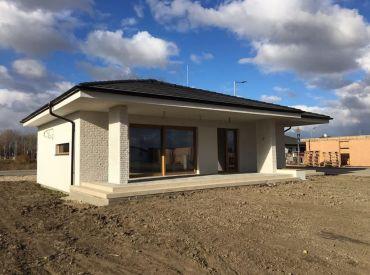 PRED DOKONČENÍM!Nadštandardne riešený 4 izbový bungalov v Kalinkove pri hrádzi!