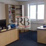 Kancelárska budova so skladovými priestormi v Dúbravke za výhodnú cenu
