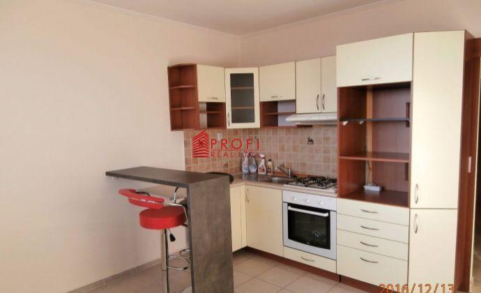 Prenájom 1-izbového bytu v Dunajskej Strede na Neratovickom námestí