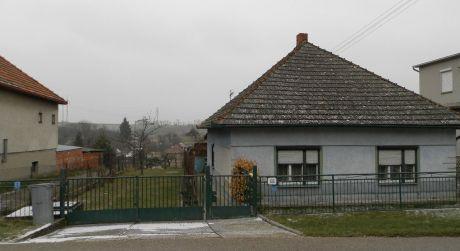 Exkluzívny predaj- zachovalý 3 izb. rod.dom - Melek okr. Nitra