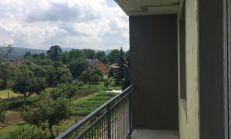 PREDAJ , 2i byt s loggiou v novostavbe v obci Kočovce - Rakoľuby