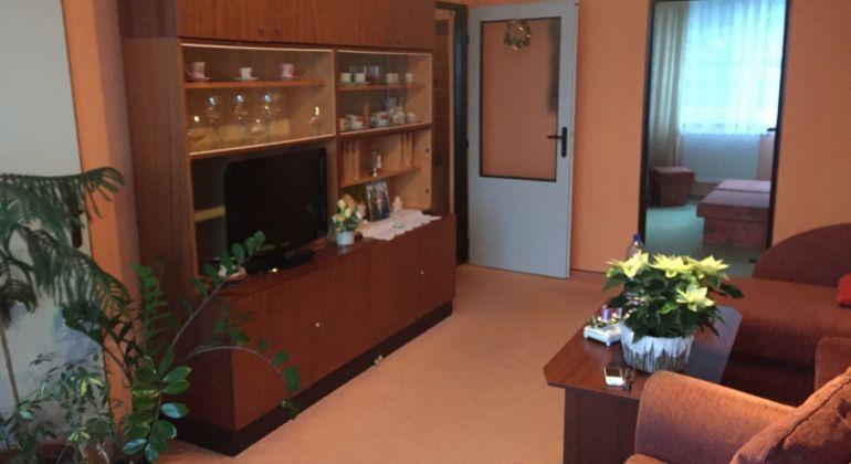 Mayerova 3 izb. byt -vlastné kúrenie Trenč. Teplá