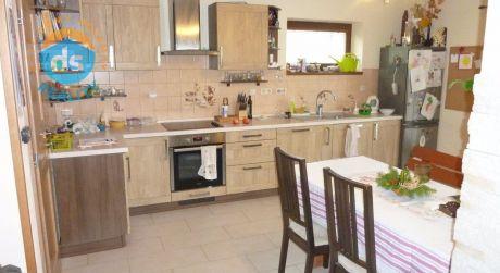 Exkluzívne na predaj 4 izbový poschodový dom - novostavba, 712 m2, Dolná Súča