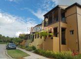 Naples OLE Fantastické radové domy v štýle španielskej architektúry, Florida,USA