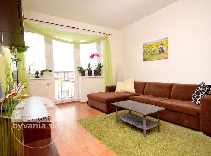 PREDANÉ - HAMULIAKOVO, 3-i byt, 70 m2 – slnečný byt, tehla, NOVOSTAVBA, terasa, tiché prostredie blízko prírody, NÍZKE PREVÁDZKOVÉ NÁKLADY