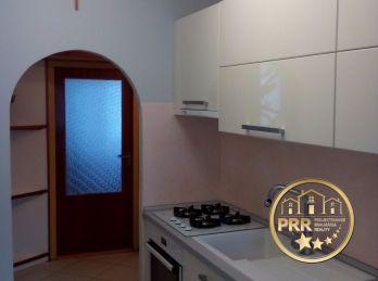 Predaj 3 izb.bytu s balkónom, špajzou a komorou v Bánovciach n/B.