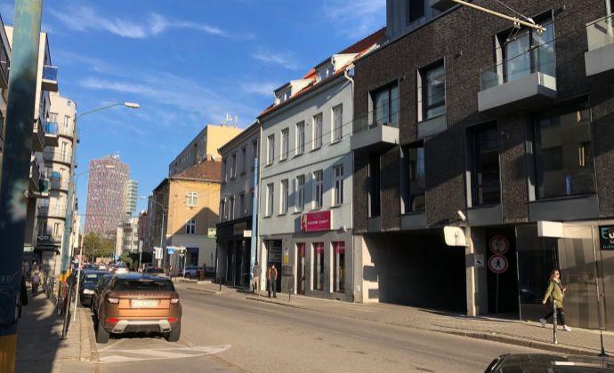 BA I  Staré Mesto centrum Dunajská prenájom  21 m2 garsónky.