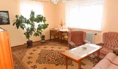 MARTIN - 4-izbový dvojpodlažný rodinný dom na poz. 739m2, Martin - Podháj