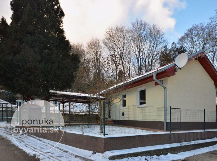 PREDANÉ - STRMÉ SADY, 1-i dom, 30 m2 – NOVOSTAVBA, vrátane projektu na nadstavbu, prístrešok pre auto, v CENE BYTU