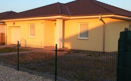 Rodinný dom na prenájom v obci Holice, časť Stará Gala