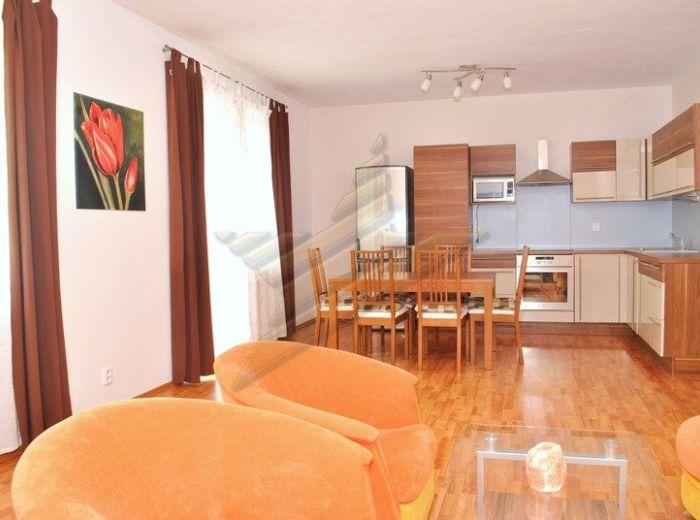 PREDANÉ - HRANIČNÁ, 3-i byt, 92 m2 - tehlová novostavba s výťahom, MODERNÝ, PRIESTRANNÝ BYT V KĽUDNEJ ČASTI RUŽINOVA