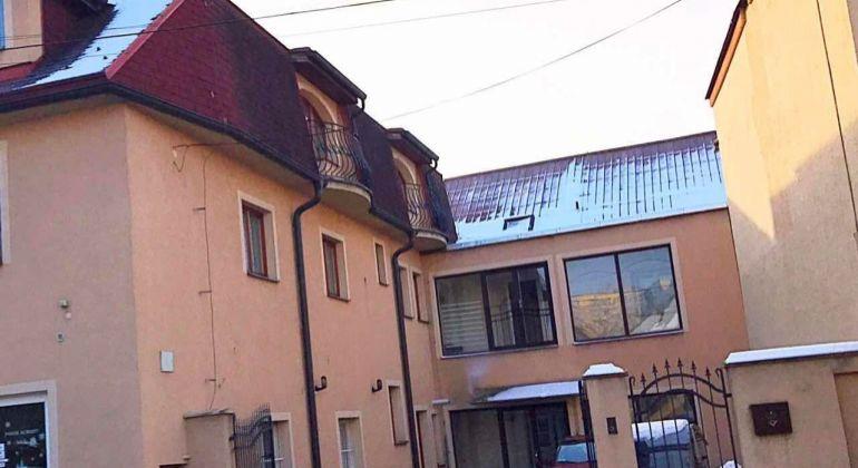 Na predaj polyfunkčný dom - byt, kancelária, výroba, sklad v Bánovciach nad Bebravou
