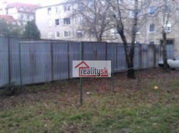 Reality Štefanec /ID-10473/, Dunajská Streda, Ružový háj, predaj stavebného pozemku o rozlohe  738 m2. Cena 54.500,-€.