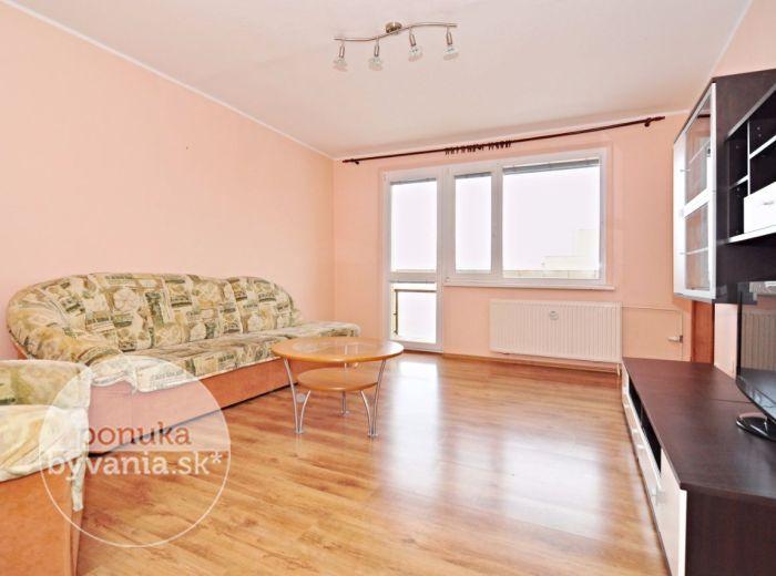 PREDANÉ - MILANA MAREČKA, 1-i byt, 44 m2 - KOMPLETNE zrekonštruovaný, s LOGGIOU, zmenená dispozícia na 2-i byt