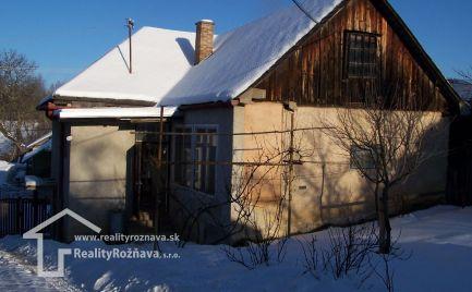 3 - izbový dom v obci Roštár