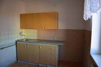 Prenájom, 2 izbový byt, 49 m2, Handlová