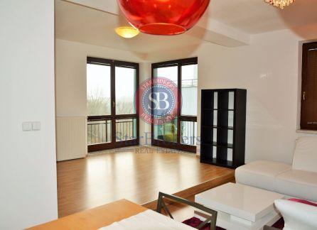 Strabrokers - predaj 1,5 izbového  priestranného bytu v Slávičom údolí s vlastným parkovaním