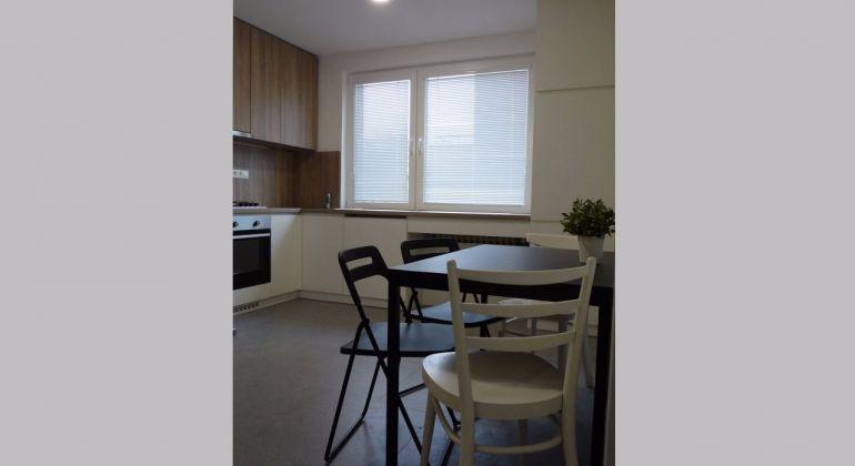 REZERVÁCIA! Prenájom novozariadeného 2 izbového bytu s jedálňou v širšiom centre  Trenčína.