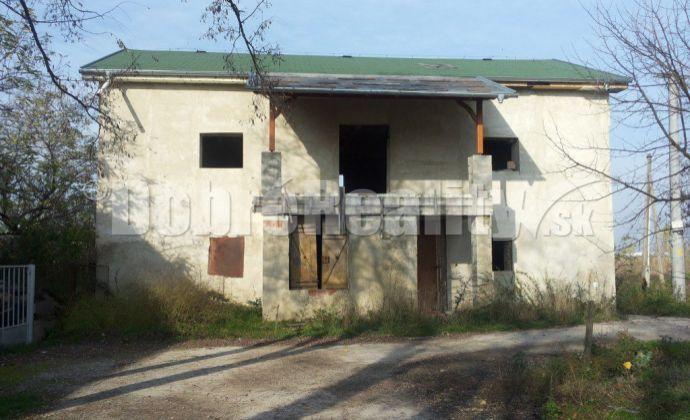 Na predaj rozostavaný rodinný dom v Zlatnej na Ostrove.