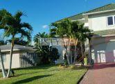 Naples  park staršie rodinné domy v blízkosti Vanderbilt beach/pláže, Florida