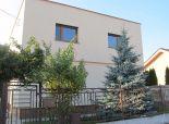 Ružinov-pekný rodinný dom Prievoz, tehla, pozemok 750 m2, tichá lokalita rodinných domov, výborná poloha v BA