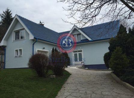 STARBROKERS-Prenájom zariadeného domu na Kramároch- BAIII, Kĺzavá ul., v blízkosti lesa