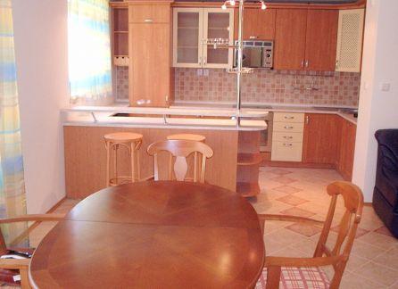 STARBROKERS - prenájom veľkého 5-izbového bytu v novostavbe vo výbornej lokalite v Líščom údolí, Bratislava - Karlova Ves