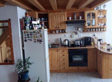 Predáme atypický  2-3. izbový byt pod Vysokými Tatrami v tichej lokalite