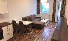 Predaj 2.-izb.bytu v novostavbe – zariadený, s garážovým státím ( 14 000,. eur), na Jégého ul. v Bratislave – Ružinov.