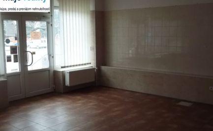 Obchodné priestory, Štefánikova ulica, Senica.