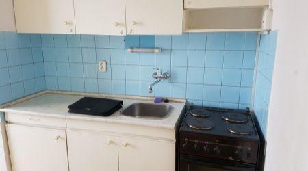 1 - izbový byt 34m2, ul. Školská, Pov. Bystrica