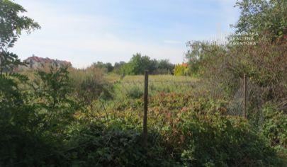 PREDANÉ: Exkluzívne ponúkame na predaj pozemok 701m2 v Bratislave, v mestskej časti Podunajské Biskupice